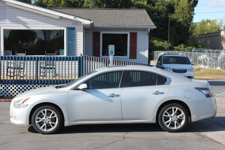 2014 SILVER NISSAN MAXIMA S (1N4AA5AP7EC) with an 3.5L engine, Automatic transmission, located at 1342 West Wade Hampton Blvd. Greer, SC 29650, Greer, SC 29650, SC, 29650, (864) 244-8880, 34.931980, -82.272987 - Photo #1