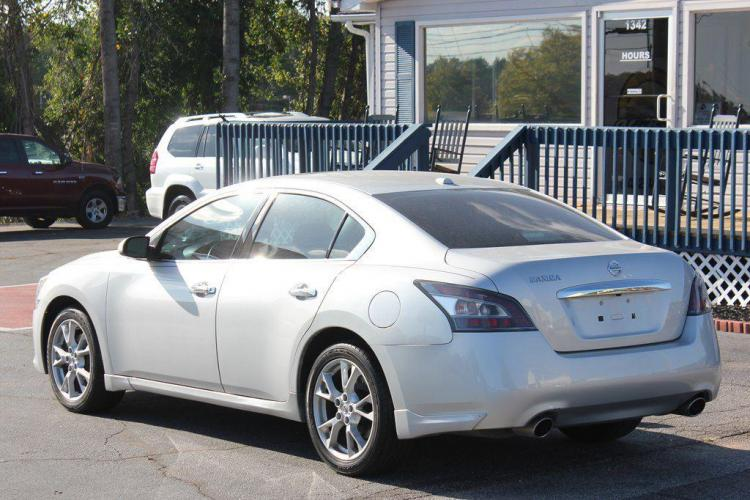 2014 SILVER NISSAN MAXIMA S (1N4AA5AP7EC) with an 3.5L engine, Automatic transmission, located at 1342 West Wade Hampton Blvd. Greer, SC 29650, Greer, SC 29650, SC, 29650, (864) 244-8880, 34.931980, -82.272987 - Photo #2