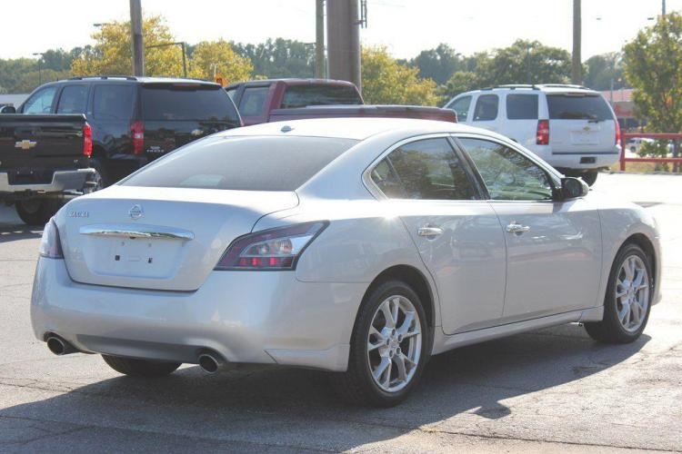 2014 SILVER NISSAN MAXIMA S (1N4AA5AP7EC) with an 3.5L engine, Automatic transmission, located at 1342 West Wade Hampton Blvd. Greer, SC 29650, Greer, SC 29650, SC, 29650, (864) 244-8880, 34.931980, -82.272987 - Photo #4