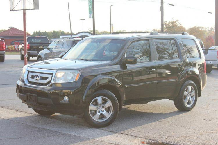 2011 BLACK HONDA PILOT EXL (5FNYF3H59BB) with an 3.5L engine, Automatic transmission, located at 1342 West Wade Hampton Blvd. Greer, SC 29650, Greer, SC 29650, SC, 29650, (864) 244-8880, 34.931980, -82.272987 - Photo #0