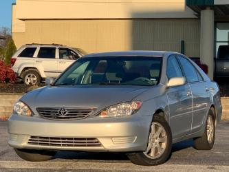 2005 TOYOTA CAMRY 4DR